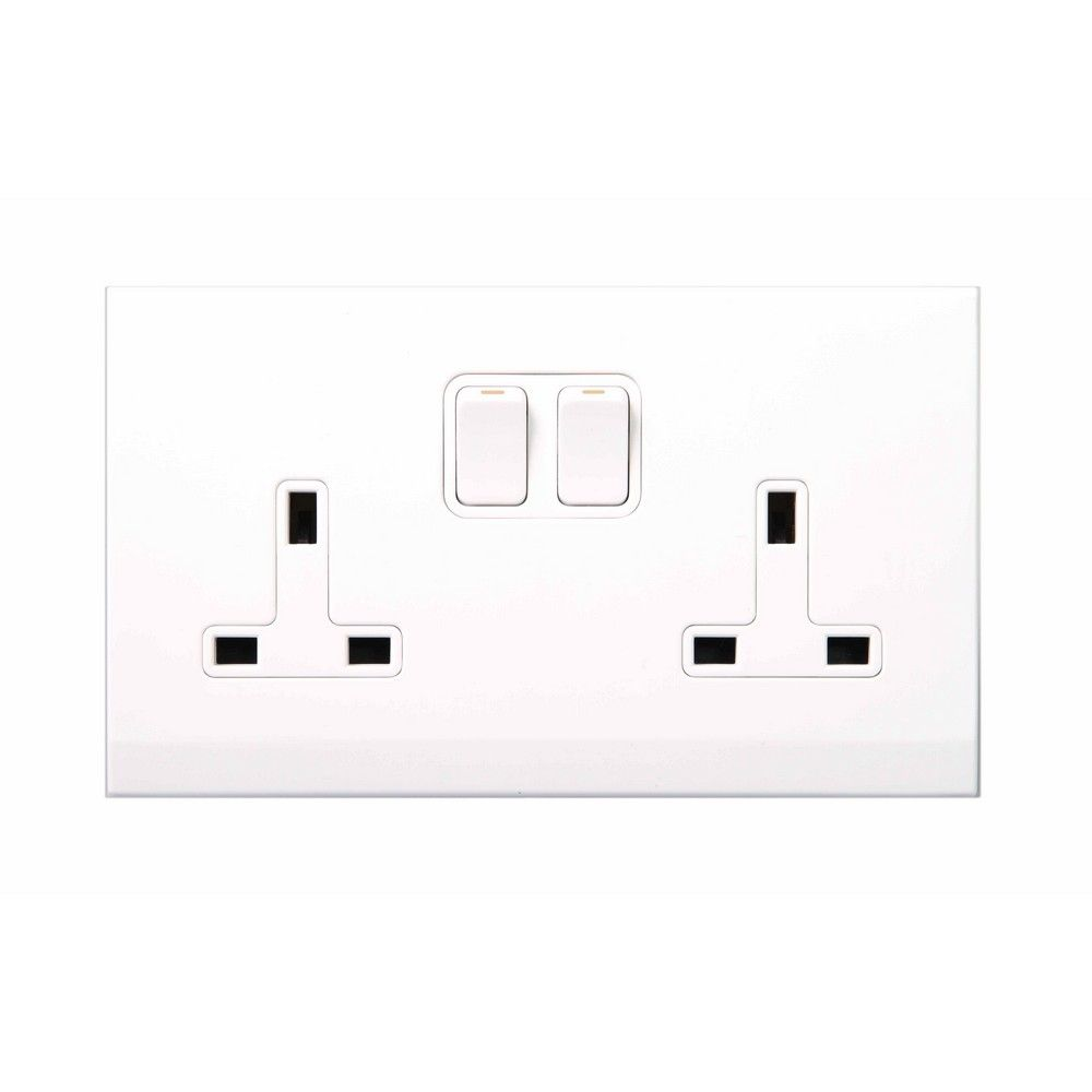 Simplicity White Screwless 13A Double Plug Socket 07440